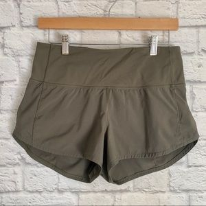 "Lululemon Speed Up Short Hi-Rise 2.5"" Sage • Sz 6"